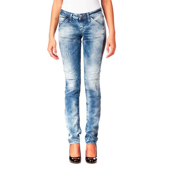 Модель женских джинс tapered cut