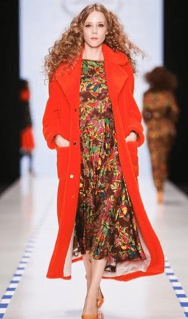 Модное бархатное пальто. Красное пальто из бархата. Мода зима 2018 2019