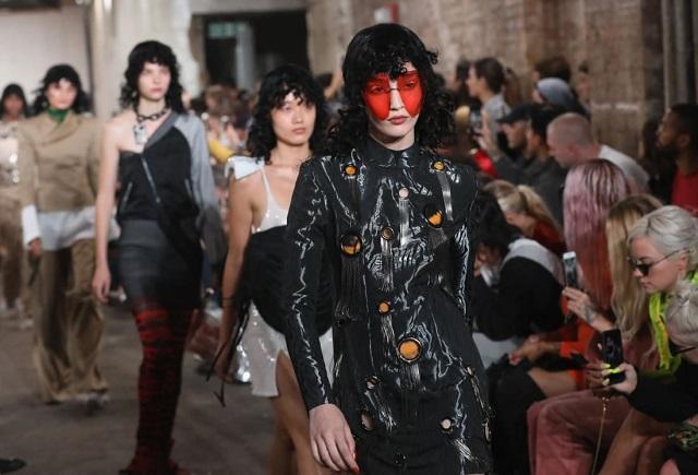 модный показ в ЛОндоне