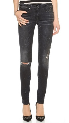 модный фасон  рваных джинсов